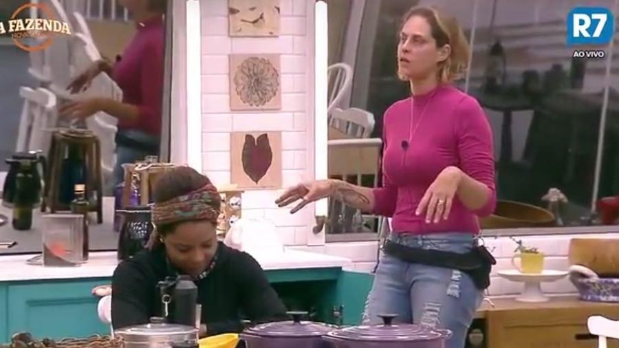 Aritana se irrita ao saber que foi vítima de armação de Conrado - Reprodução/R7