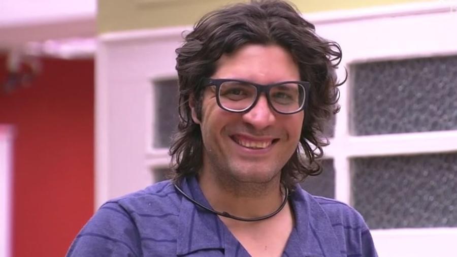 Ilmar fica constrangido com piadas sobre seu hálito - Reprodução/TVGlobo