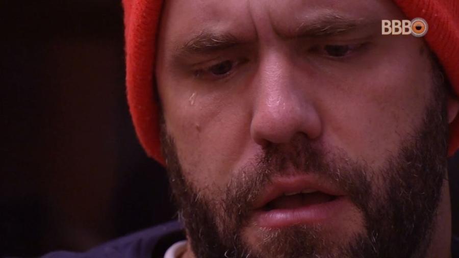 Caruso chora após formação de paredão - Reprodução/GlobosatPlay