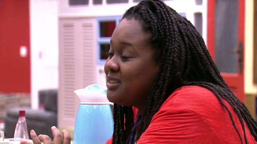 Roberta confessou para Elis que gosta de Daniel - Reprodução/Gshow