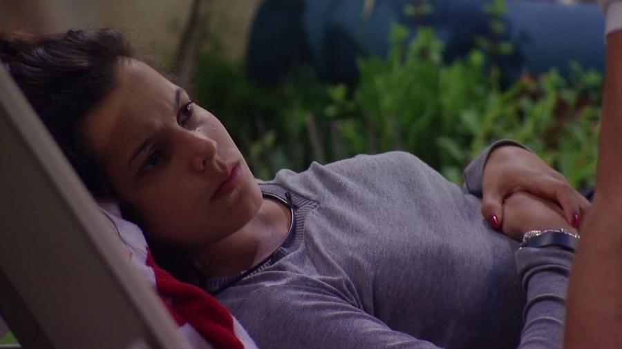 """Emilly pede que Marcos se posicione em relação a ela no """"BBB17"""" - Reprodução/TV Globo"""
