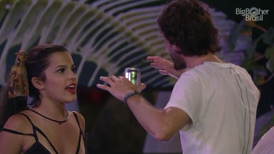 Pedro fala com Emilly sobre feminismo - Reprodução/TV Globo