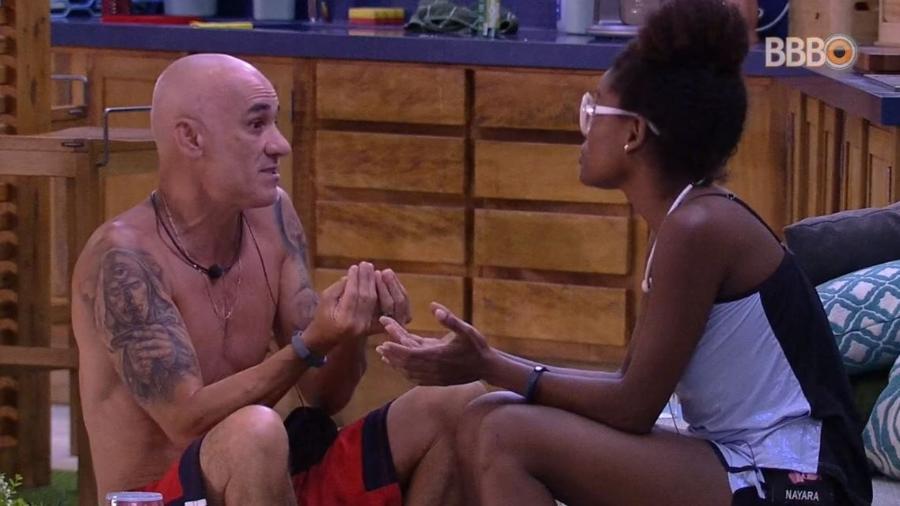 Nayara e Ayrton discutem na área externa - Reprodução/GloboPlay