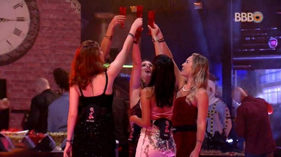 "Sisters brindam na festa ""Fiat Cronos"" - Reprodução/GlobosatPlay"