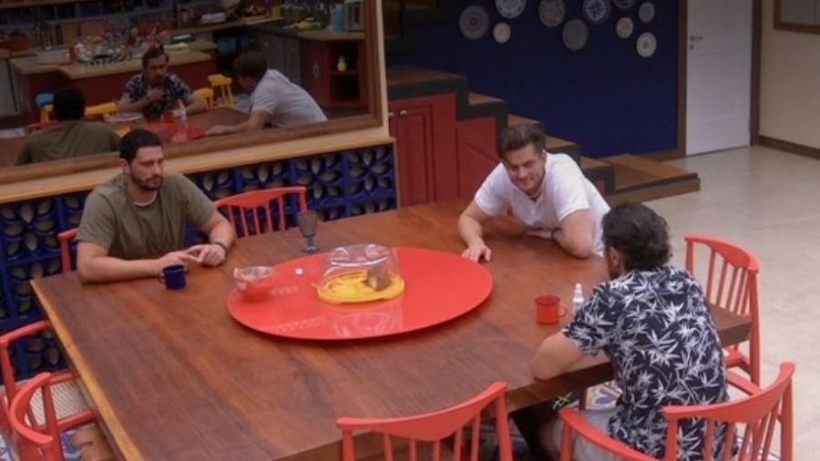 Brothers condenam atitude de Luiz Felie - Reprodução/TV Globo
