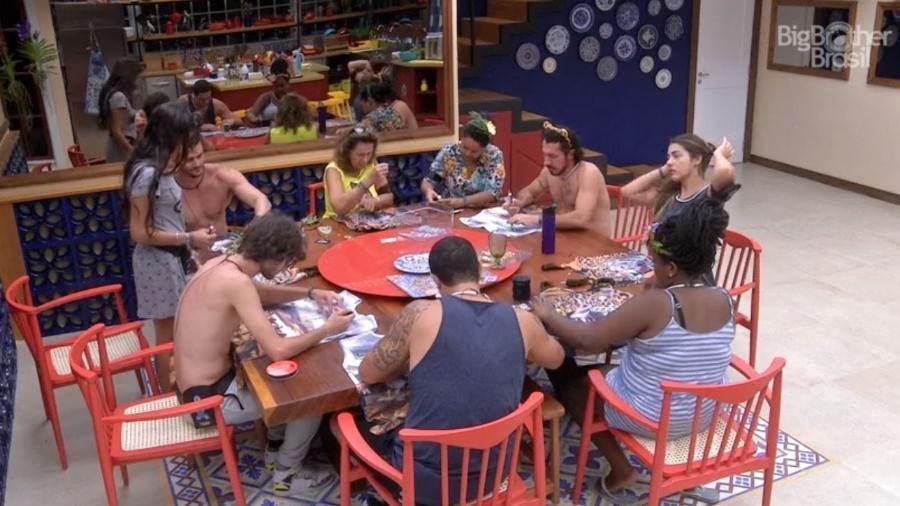 Brothers customizam abadás - Reprodução/TV Globo
