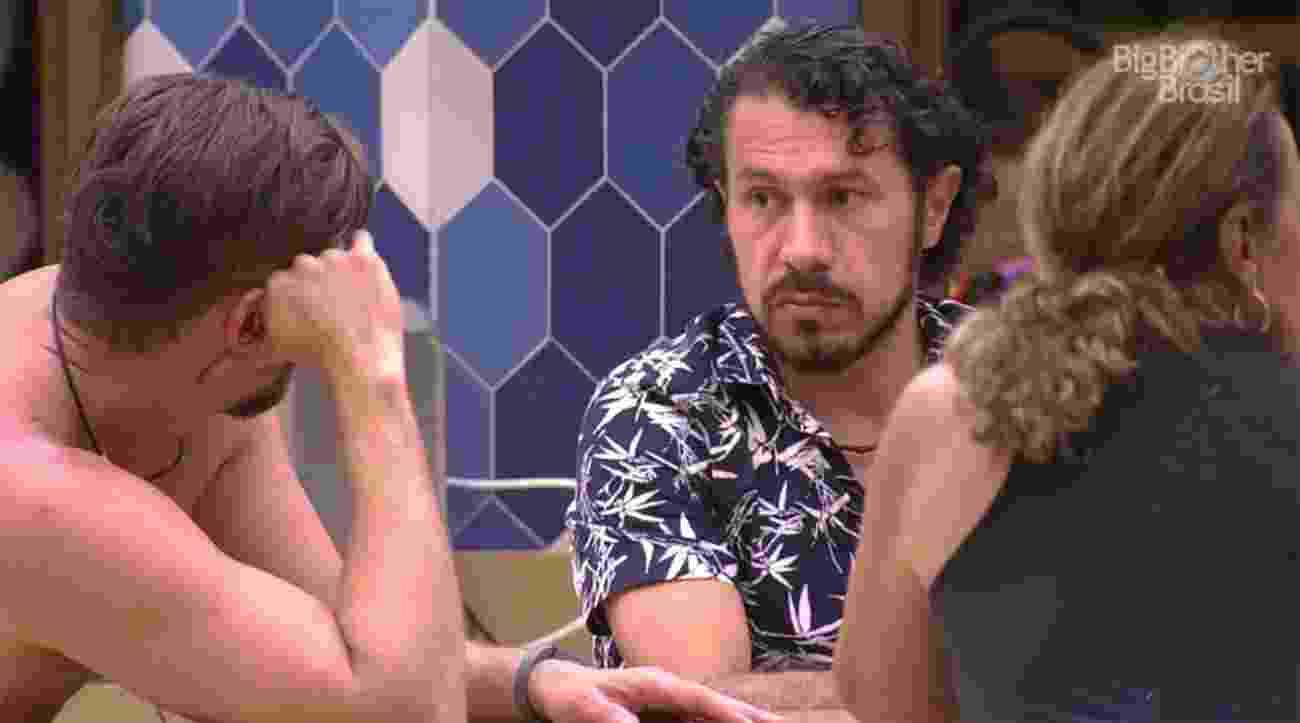 Rômulo fala com Marcos sobre problemas que ele enfrentou na política - Reprodução/TV Globo