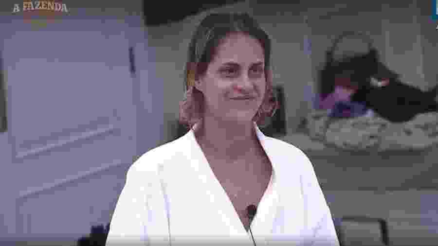 Aritana conversa sobre a sua rotina com Dinei e Nicole Bahls - Reprodução/R7
