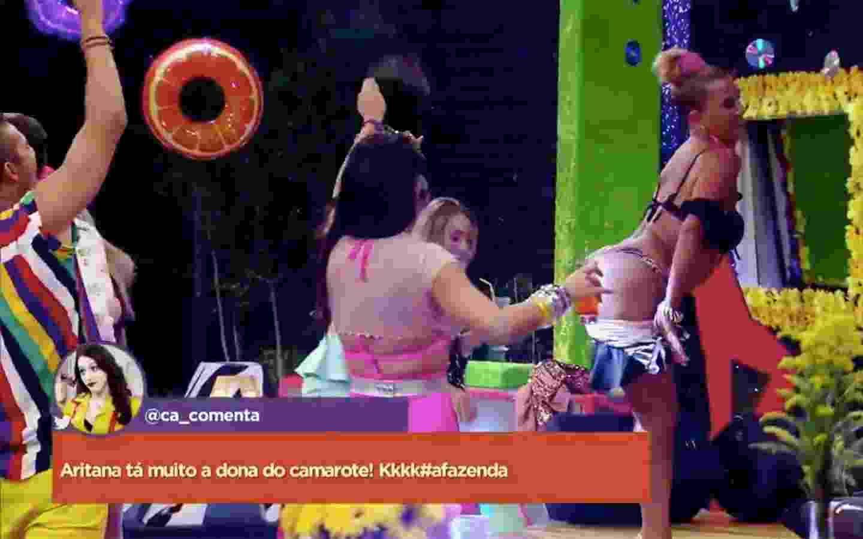 """Rita Cadillac faz striptease em festa do """"Brega"""" em """"A Fazenda 9"""" - Reprodução/R7"""