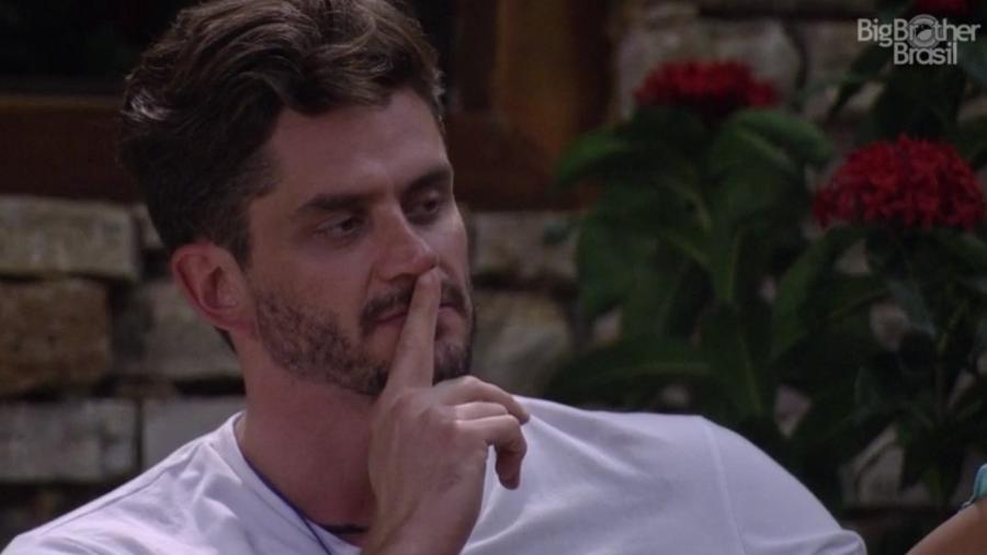 Marcos: querendo mais um selinho entre Ilmar e Ieda - Reprodução/TV Globo