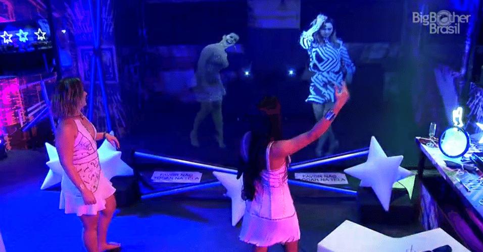 3.abr.2016 - Munik vê holograma de Ana Paula e comenta: