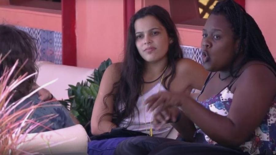 Emilly desconfia de sinceridade de Mayara e Vivian - Reprodução/TVGlobo