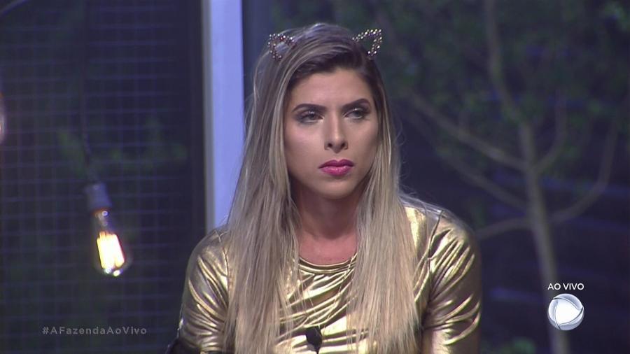 Ana Paula Minerato reclama de Marcos durante programa ao vivo - Reprodução/Record