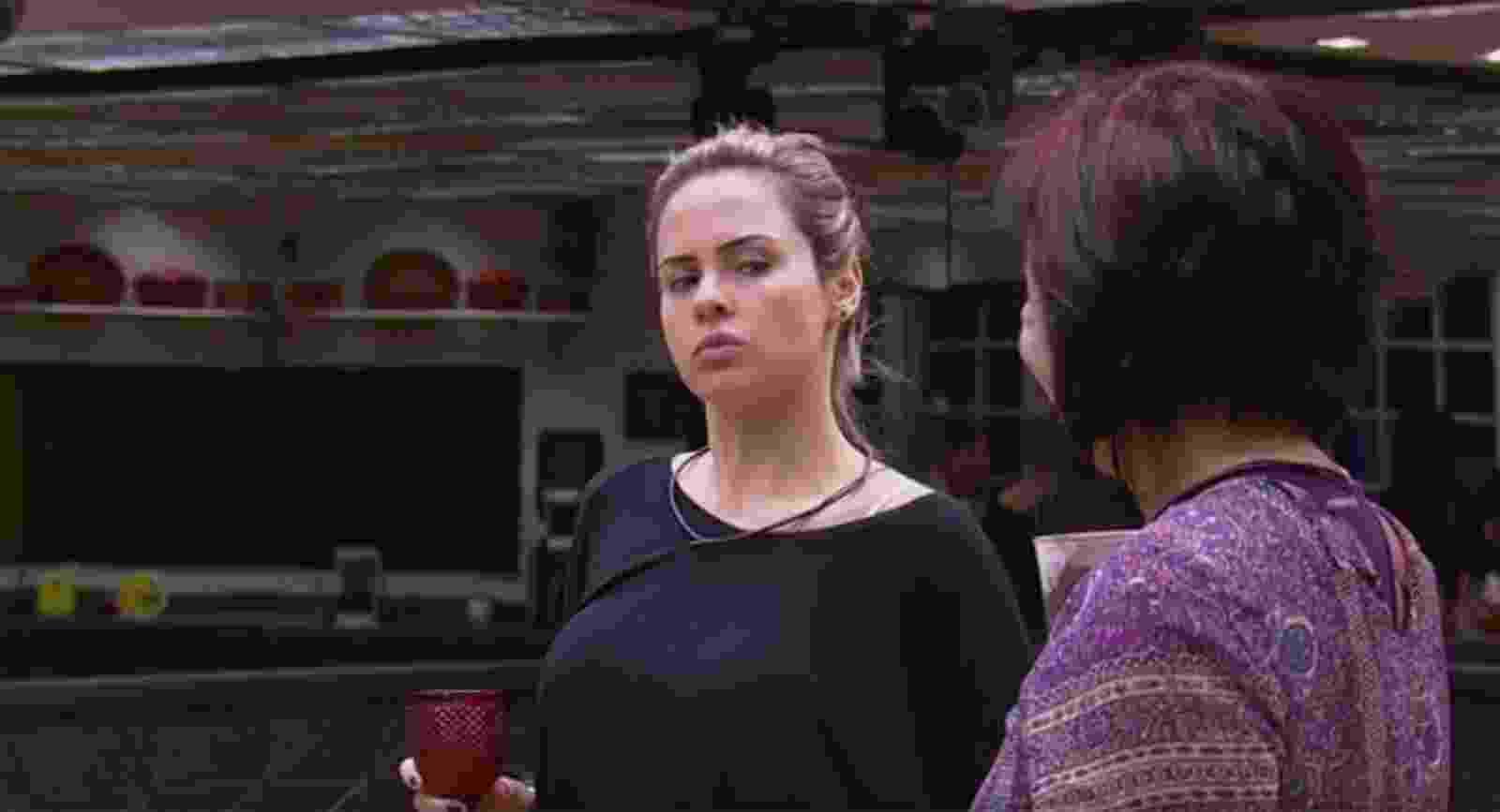"21.jan.16 - Ana Paula conversa no ""BBB16"" - Reprodução/TV Globo"
