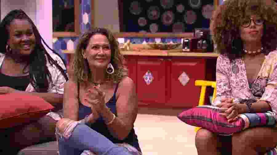 """Ieda, participante do """"BBB17"""", chama Tiago Leifert de Pedro Bial  - Reprodução/TV Globo"""