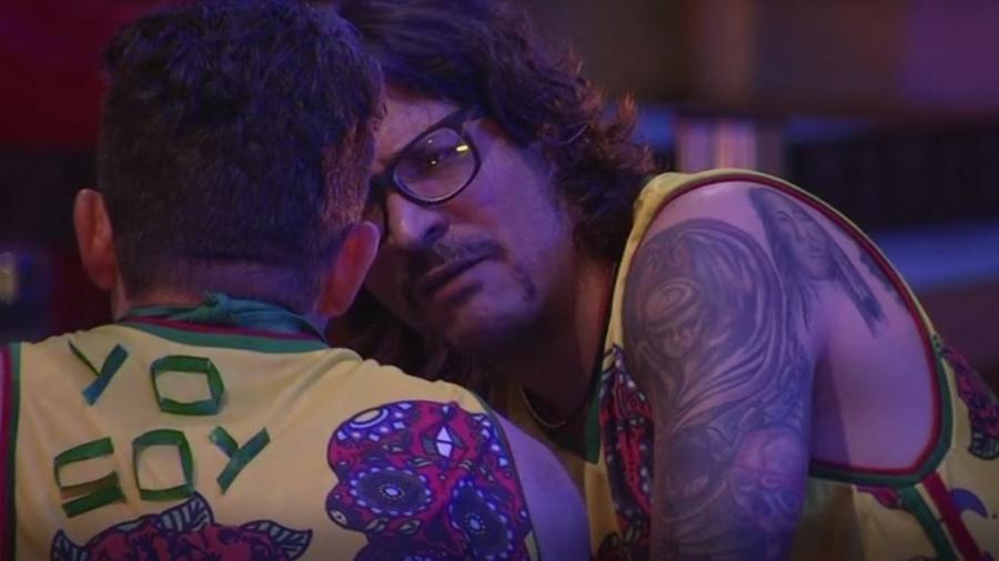 Marcos e Ilmar confabulam sobre os rumos do jogo - Reprodução/TVGlobo