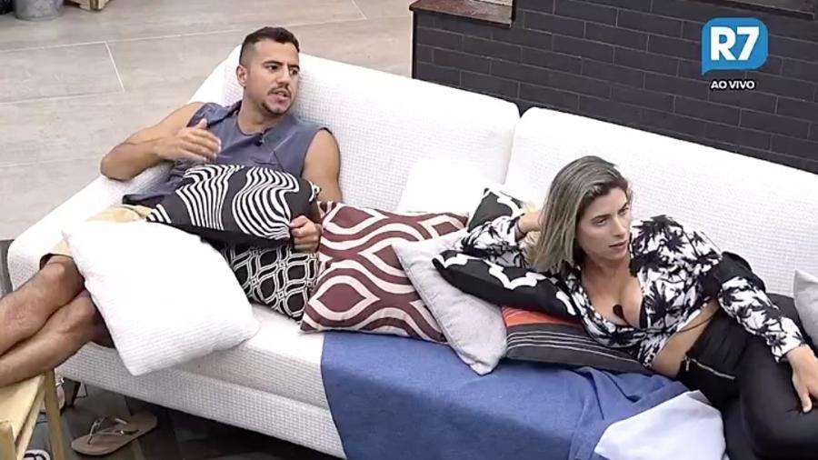 Ana Paula Minerato fala que tinha ciúmes do ex, Thiago Servo - Reprodução/R7