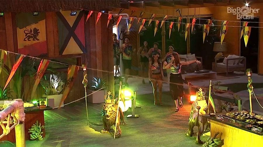 """Brothers correm para ver a decoração da festa """"Reggae"""" - Reprodução/GloboPlay"""