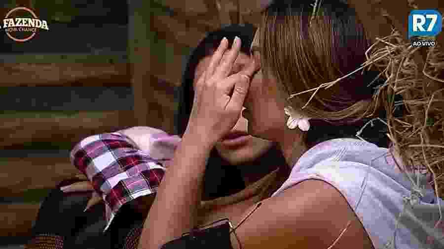Nicole Bahls chora e se desespera com a roça da semana - Reprodução/R7