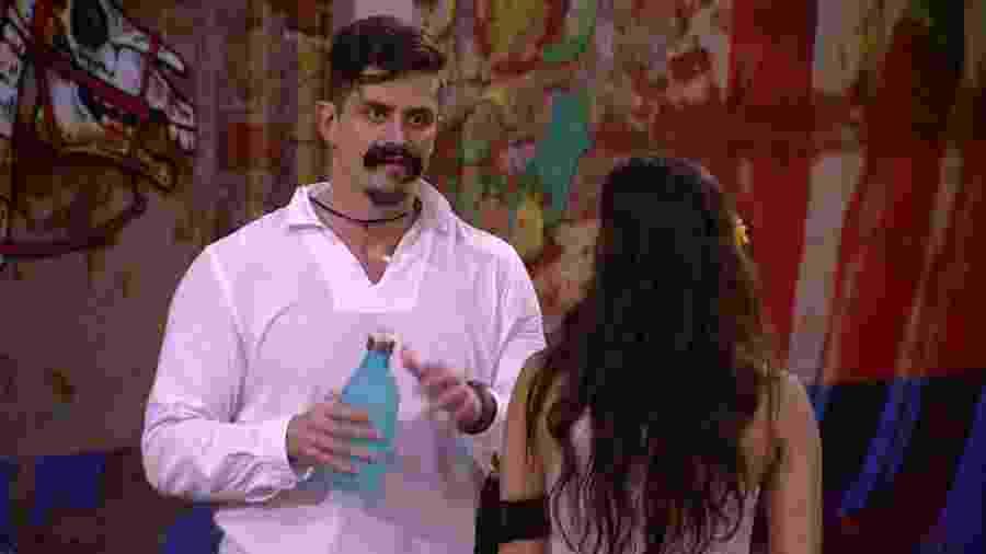 Marcos critica Marinalva em conversa com Emilly - Reprodução/TV Globo
