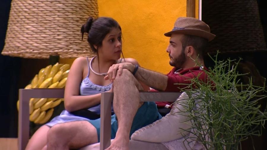 Mahmoud e Ana Paula conversam após desentendimento - Reprodução/GloboPlay