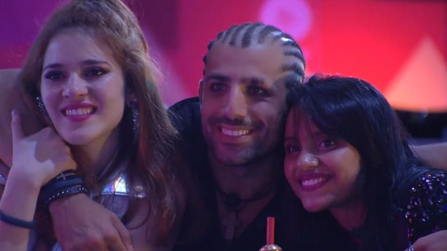 """Ana Clara, Kaysar e Gleici curtem festa """"Musical.ly"""" - Reprodução/Gshow"""
