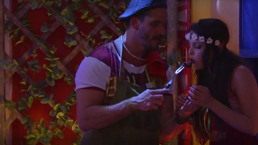 Marcos e Emilly curtem festa gaúcha momentos antes de se desentenderem  - Reprodução/TVGlobo