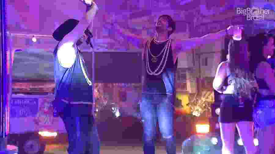 Lucas e Diego afirmam que irão beber todas na festa - Reprodução/GloboPlay