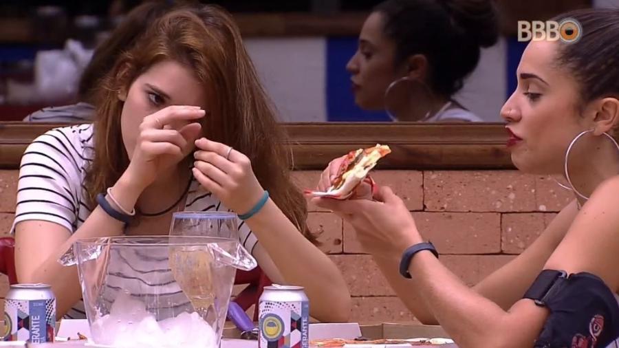 Ayrton e Paula comem pizza após jogo da discórdia - Reprodução/Globoplay