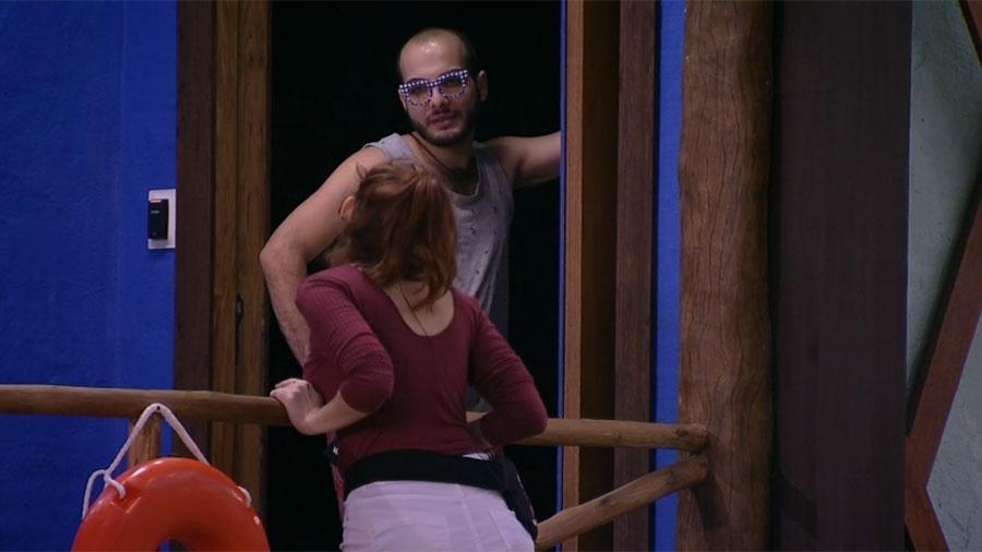 """Mahmoud conversa com Ana Clara no """"BBB18"""" - Reprodução/Gshow"""