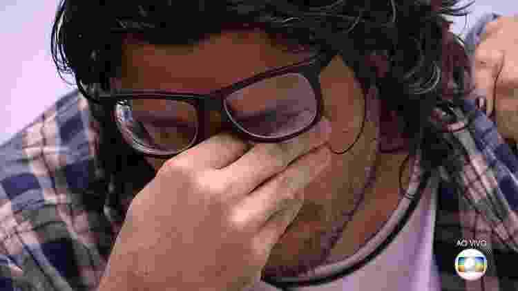 Ilmar se emociona durante jogo da discórdia - Reprodução/Tv Globo - Reprodução/Tv Globo
