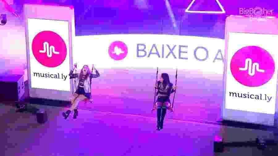 Ana Clara e Gleici se divertem no início da festa - Reprodução/GloboPlay