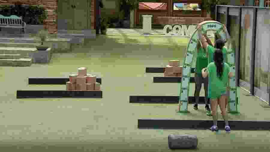 Equipe verde monta arcos em prova da comida - Reprodução/TVGlobo