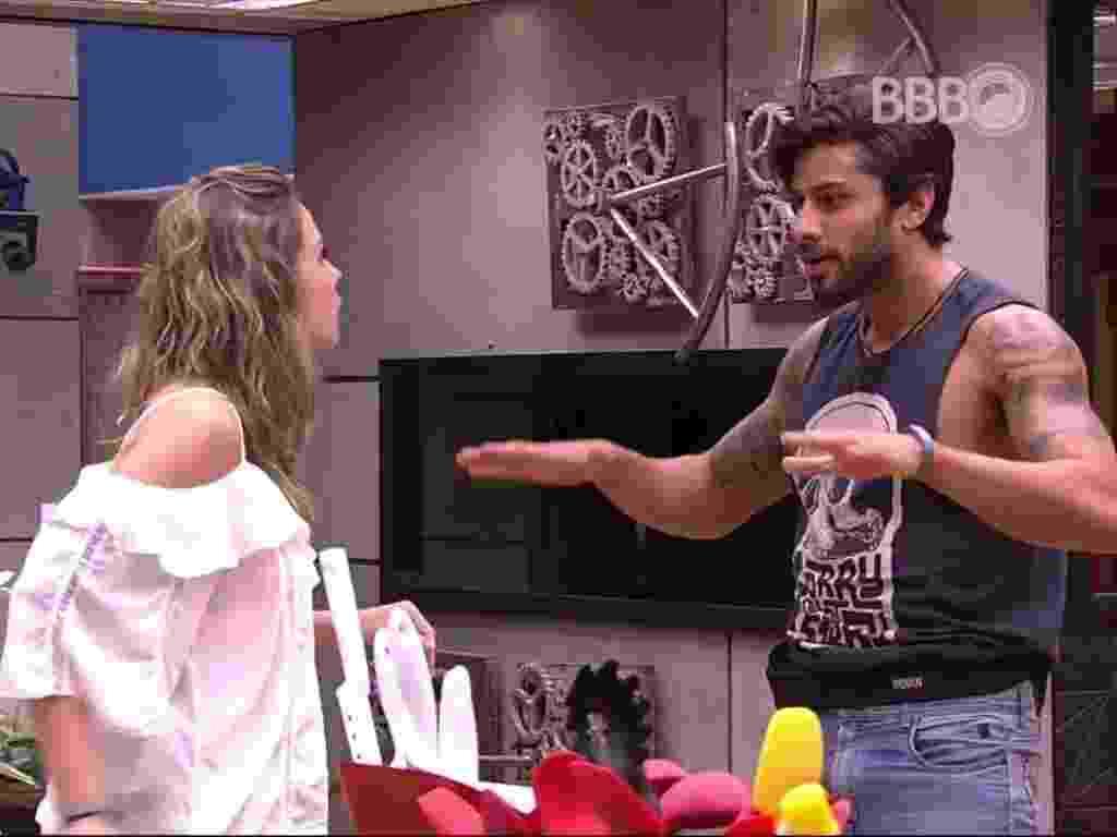"""22.fev.2016 - Renan e Ana Paula discutem após formação do paredão. """"Você é um atorzinho de merda"""" - Reprodução/TV Globo"""