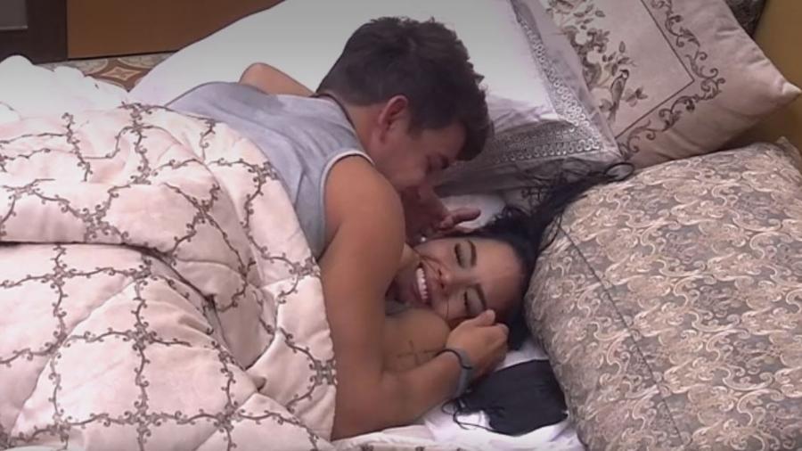 """26.jan.17 - """"Eu sou um ator"""", brinca Antônio com Mayara - Reprodução/TV Globo"""
