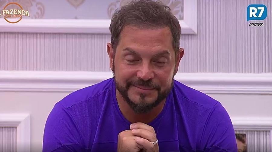 Conrado pede para sair do reality - Reprodução/R7