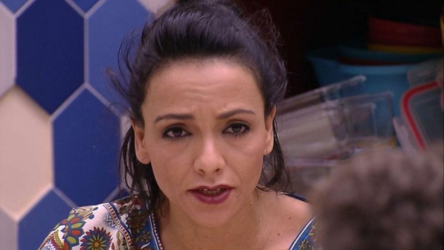 Marinalva se irrita com Emilly durante discussão - Reprodução/Gshow