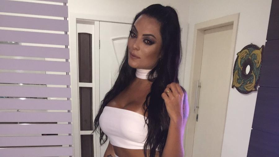 Ex-BBB Monique diz que reviveu o episódio envolvendo ela e modelo Daniel durante o reality show, em 2012 - Reprodução/ Twitter