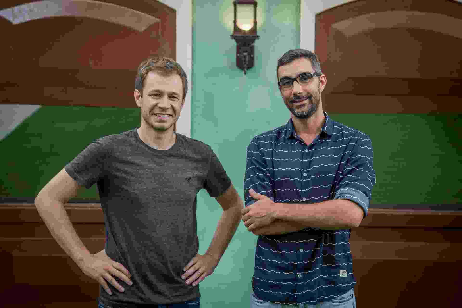 "Tiago Leifert e Rodrigo Dourado, diretor-geral do ""BBB17"", na nova fachada da casa - Paulo Belote/TV Globo"