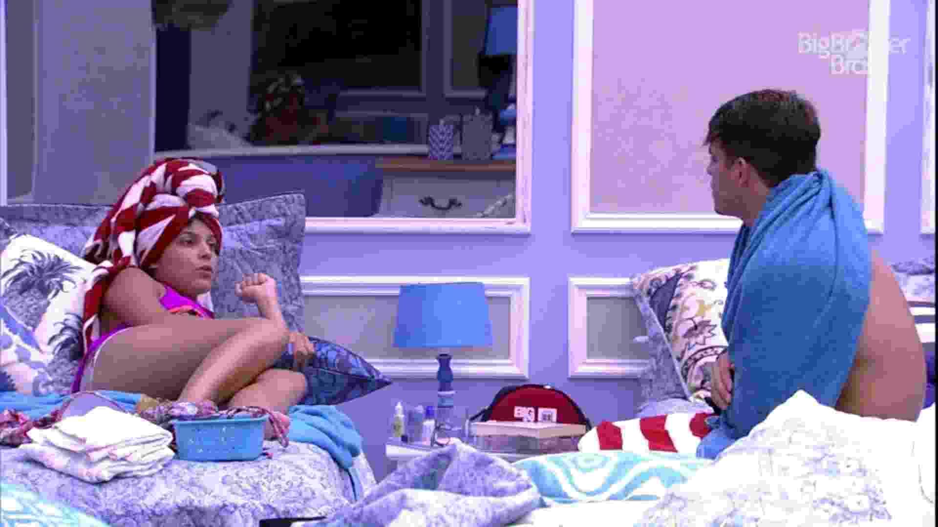 """24.jan.2017- Emilly e Antônio, participantes do """"BBB17"""" - Reprodução/Tv Globo"""