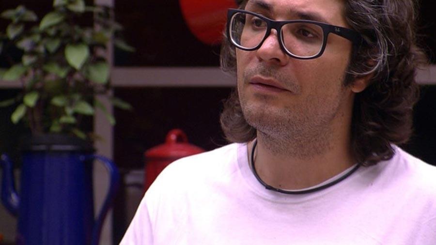 Ilmar se estranha com Marcos - Reprodução/TV Globo