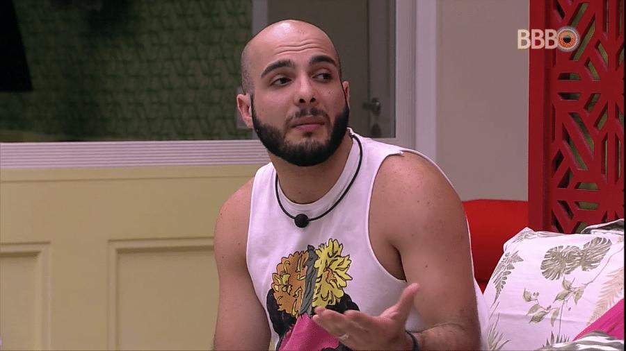 Mahmoud diz que não sente muita falta da família - Reprodução/Globosatplay