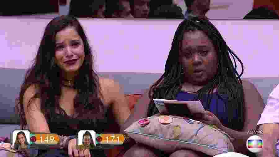 Emilly e Roberta se emocionam durante sétimo paredão - Reprodução/TV Globo