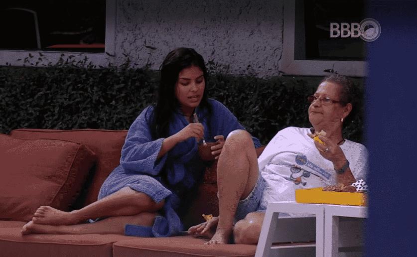 """9.mar.2016 - Munik conta para Geralda e Ronan que Renan não quer mais deixar o """"BBB16"""" - Reprodução/TV Globo"""