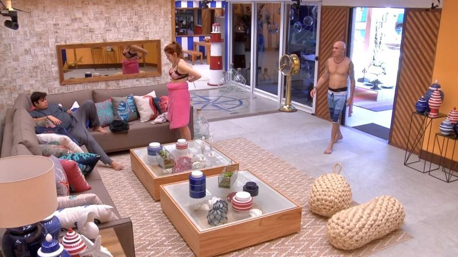 "Família Lima conversa na sala do ""BBB18"" - Repodução/GloboPlay"