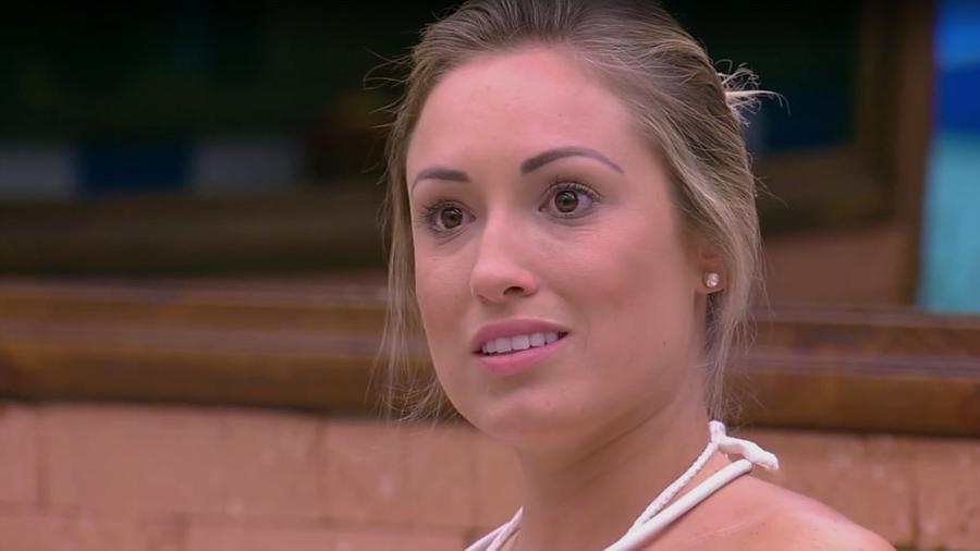 Jessica conversa com Mahmoud na cozinha do reality show  - Reprodução/Gshow