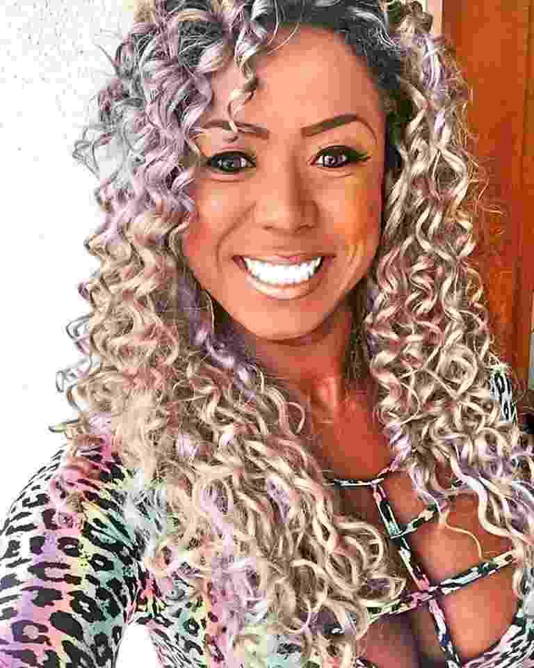 """Adélia, participante do """"BBB16"""", é advogada e mora em Suzano (SP) - Reprodução/facebook/adeliajsoares"""