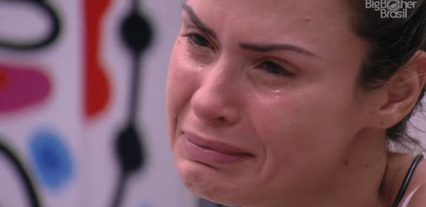 Em meio ao desabafo contra a direção do programa na noite de quarta, Ana Paula chorou - Reprodução/TV Globo