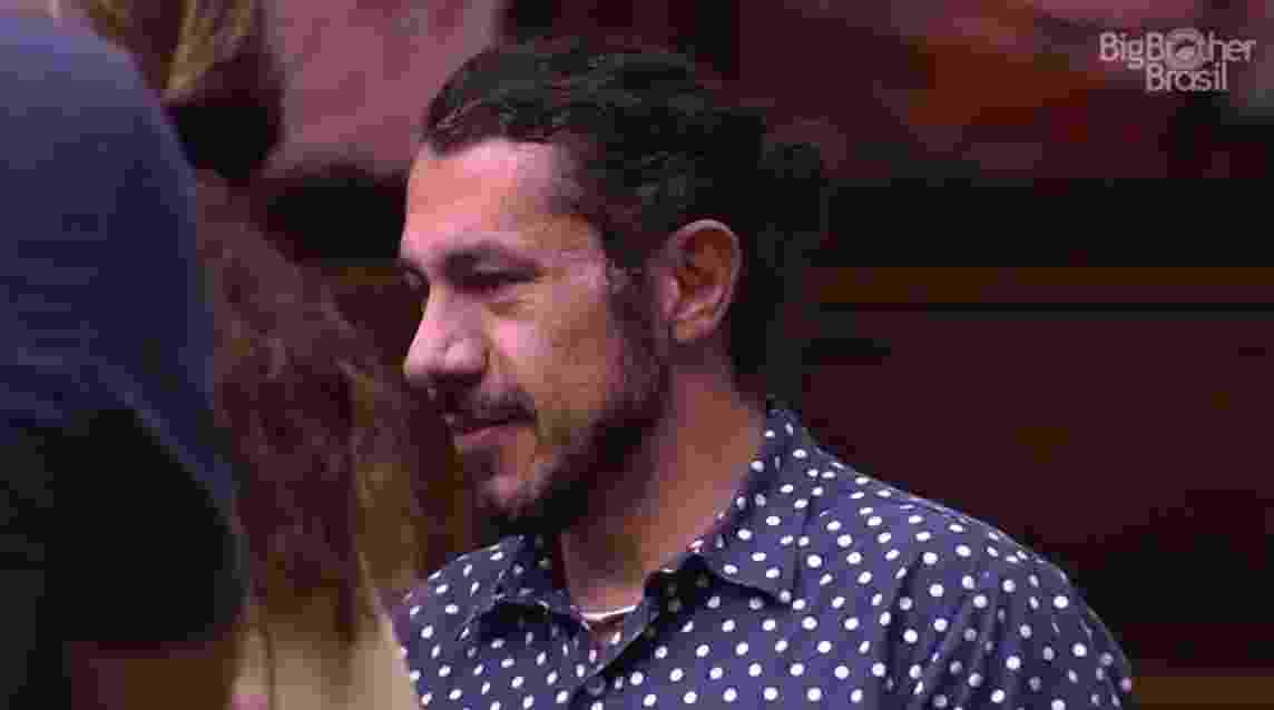 Rômulo fala sobre o plano de adotar crianças - Reprodução/TV Globo