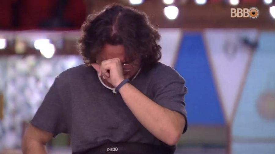 Diego chora após eliminação de Patrícia - Reprodução/Globoplay